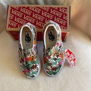 NWT in box Vans classic slip-on sneakers size 11